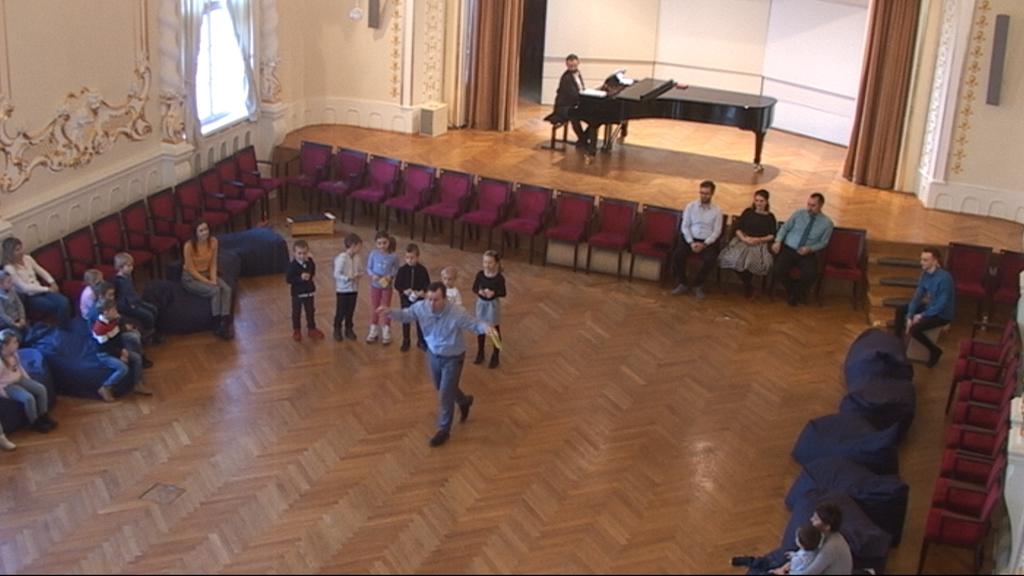 Slovenská filharmónia, cyklus HA (Hudobná akadémia), Filharmonická škôlka II, záznam z 22. 2. 2019, 10.00 h., 42. minúta